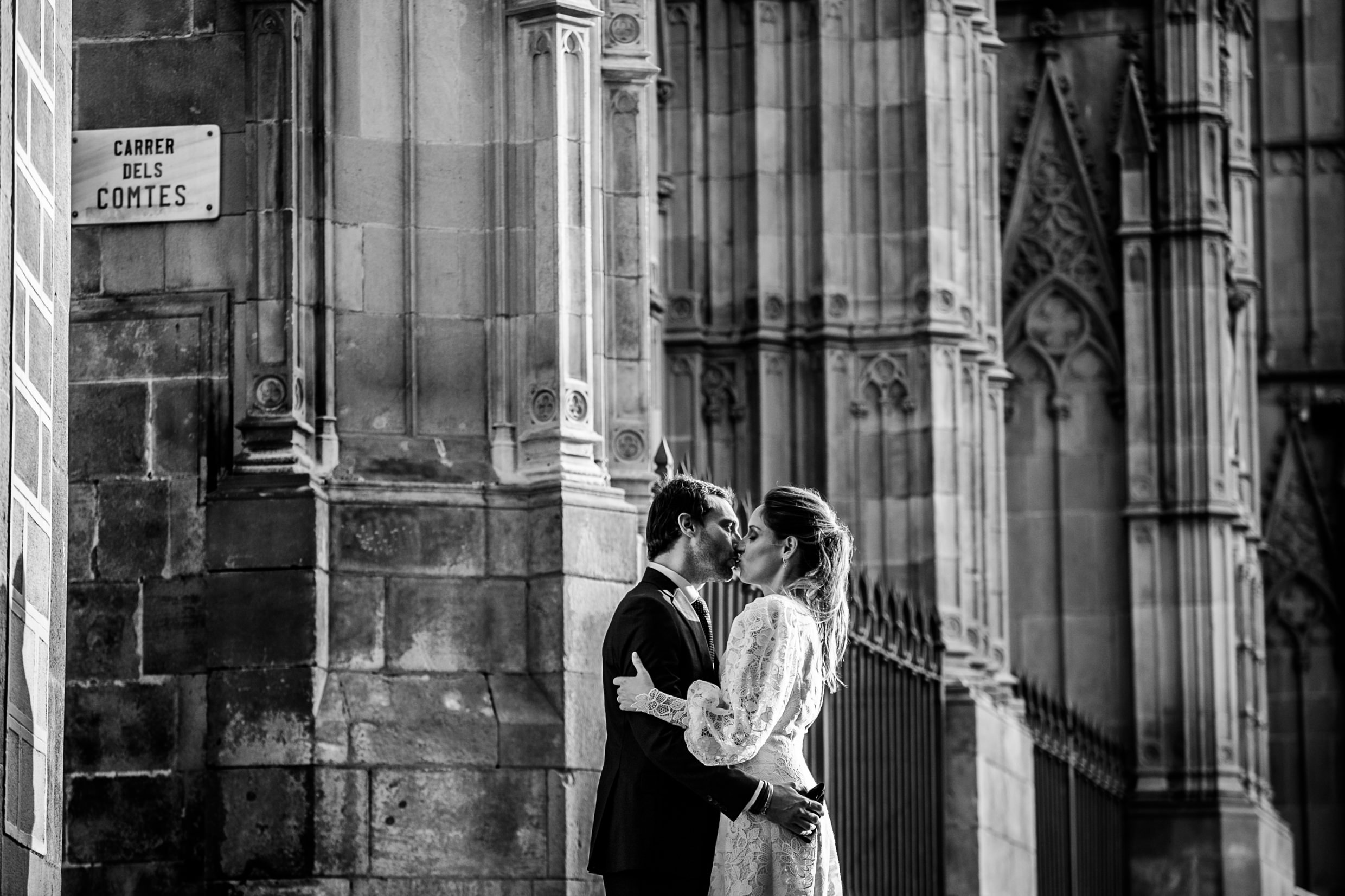 Salo del cent, salo de cent ceremonia, salo de cent casement, salo de cent boda, salo del cent wedding, wedding, wedding photography, wedding photographer, wedding photographer Barcelona, Barcelona, Barcelona boda, Barcelona engagement, Barcelona wedding, Barcelona wedding photographer, Barcelona wedding planner, wedding ideas, wedding inspo, wedding décor, Barcelona session de fotos, fotografo boda Barcelona, Barcelona fotografo boda, real wedding, real moments, people, love, family, get married Barcelona, Spanish wedding photographer, Barcelona destionation wedding, Barcelona love session.